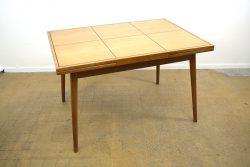 Hans BEllmann Tisch